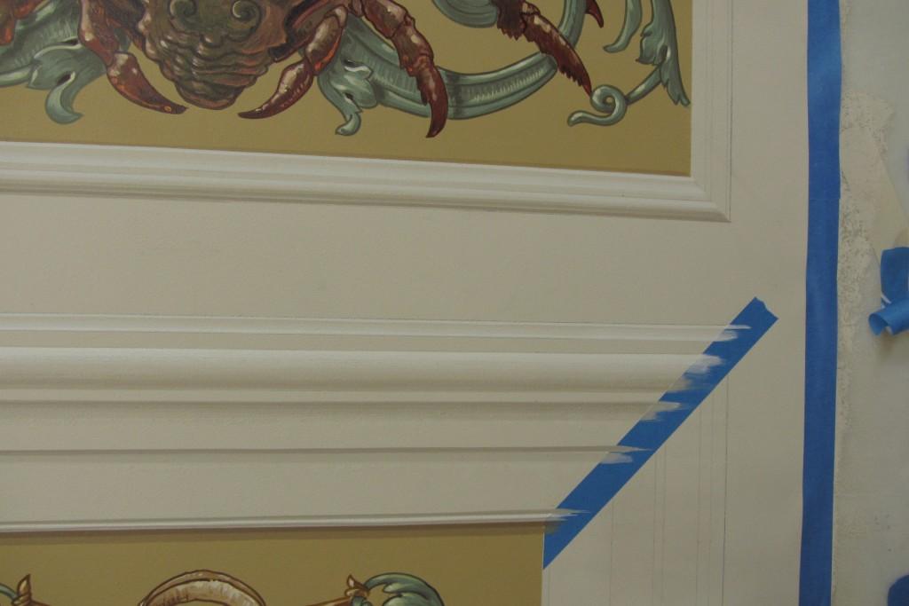 Trompe l'oeil molding on Hamburg panel