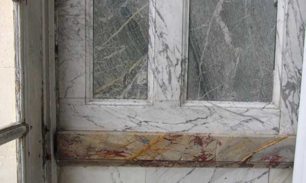 Pierre Finkelstein Versailles palace real marble white veined and campan